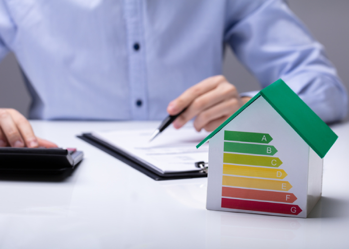 https://www.shutterstock.com/fr/image-photo/house-energy-efficiency-rate-front-businesspeople-1389187991